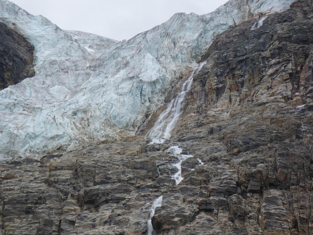 Glaciar at Mount Edith Cavell