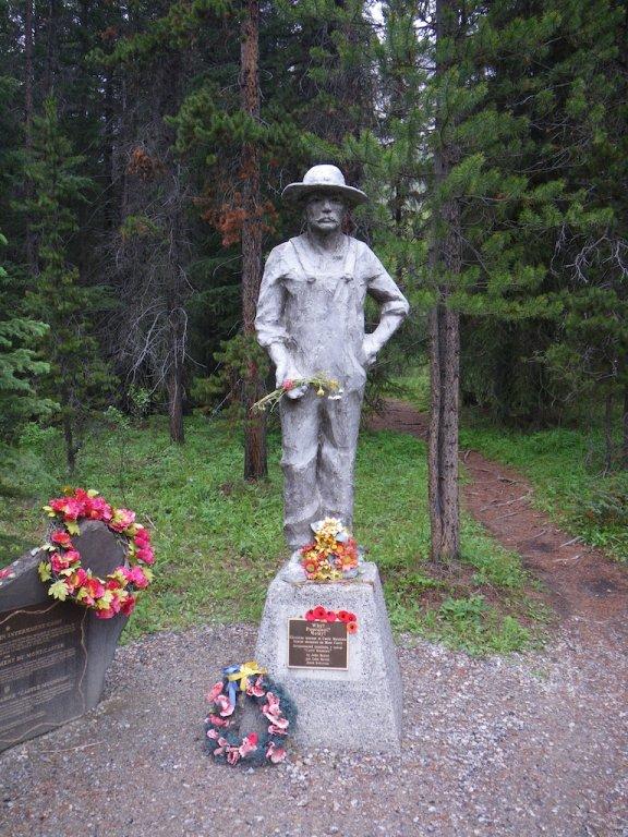 Memorial of Ukrainian internees at Castel Camp during WWI.