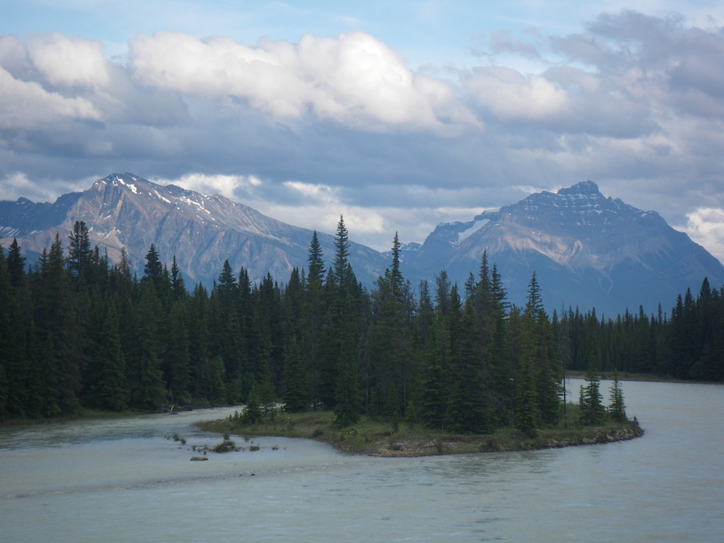 The Athabasca river from the Beckers Charlets.